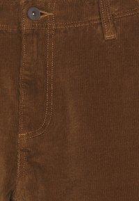 DOCKERS - SMART FLEX ALPHA SLIM - Trousers - tobacco - 2