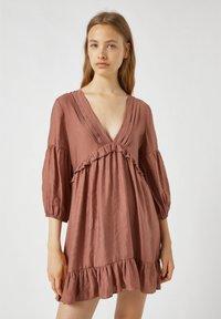 PULL&BEAR - MIT TUNNELBUND - Day dress - rose - 0