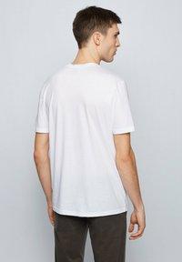 BOSS - TSUMMERY - T-shirt imprimé - natural - 2