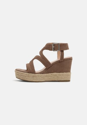 taupe - Sandály na vysokém podpatku - taup