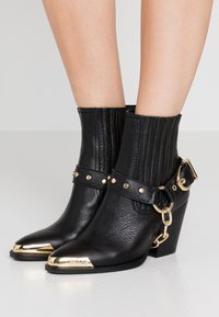 Versace Jeans Couture - Santiags - nero - 0