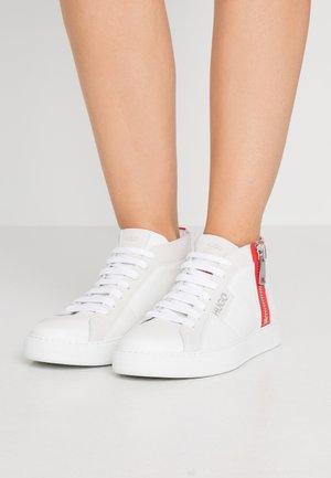 MID - Vysoké tenisky - white