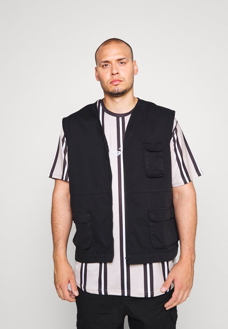 Another Influence - ANOTHER INFLUENCE PLUS UTILITY VEST  - Liivi - black