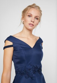 Chi Chi London - AMOUR DRESS - Ballkjole - navy - 4