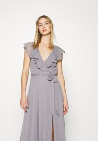 Nly by Nelly - DASHING FLOUNCE GOWN - Occasion wear - light grey - 3