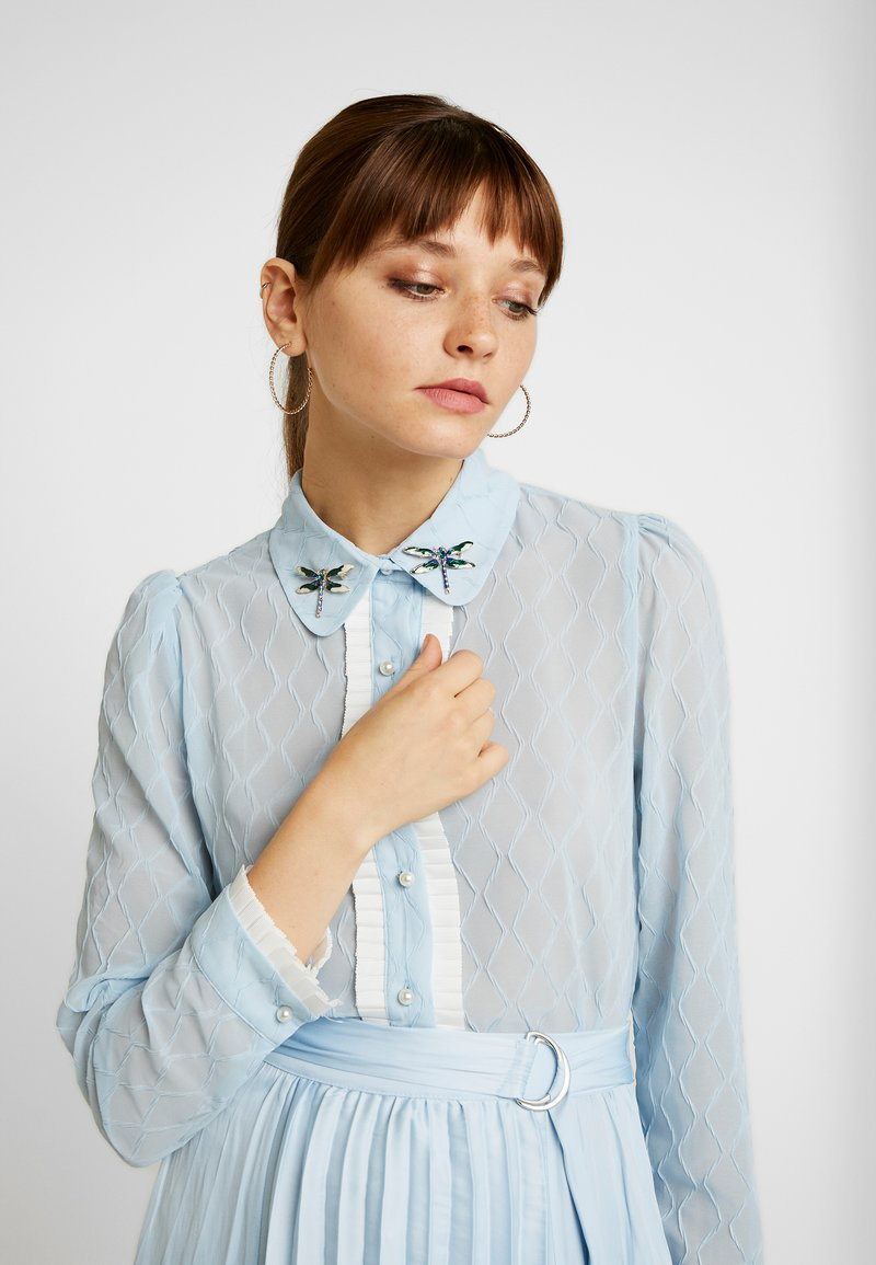Sister Jane - WANDERING WINGS EMBELLISHED BLOUSE - Button-down blouse - light blue