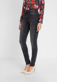 Esprit - SHAPI - Jeans Skinny Fit - grey - 0