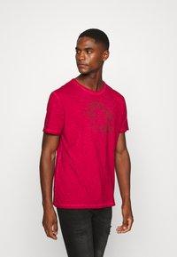 Schott - Print T-shirt - red - 3