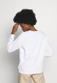 Tommy Hilfiger - ANNIE RELAXED - Sweatshirt - white - 2