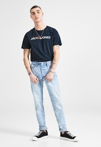 Jack & Jones - JJECORP LOGO CREW NECK  - Print T-shirt - dark blue denim - 1