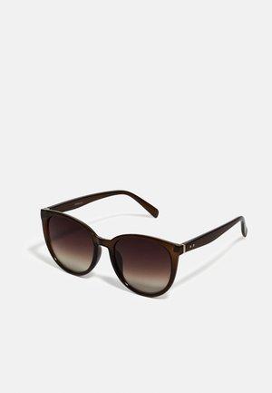 Okulary przeciwsłoneczne - brown