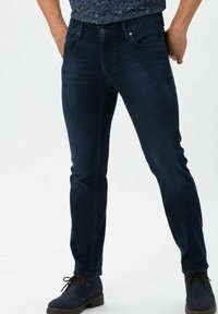BRAX - STYLE CHUCK - Jeans slim fit - knight blue used - 0