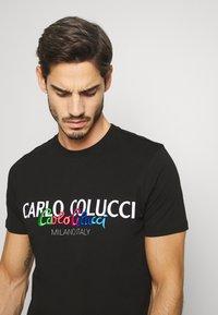 Carlo Colucci - Print T-shirt - schwarz - 3