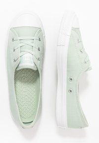 Converse - CHUCK TAYLOR ALL STAR BALLET LACE - Sneakersy niskie - green oxide/moonstone violet - 3