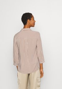 TOM TAILOR - BLOUSE PRINTED STRIPE - Košile - camel/white - 2
