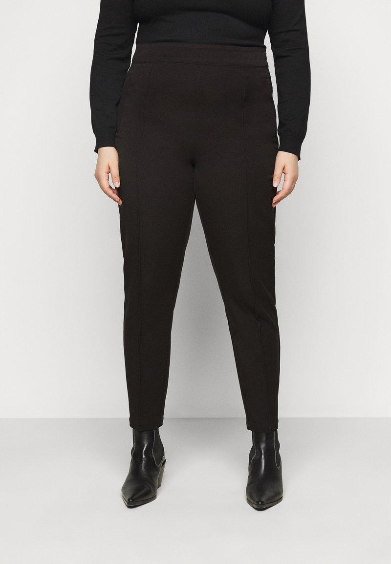 Vero Moda Curve - VMIVY ANKLE SLIM PANT - Trousers - black
