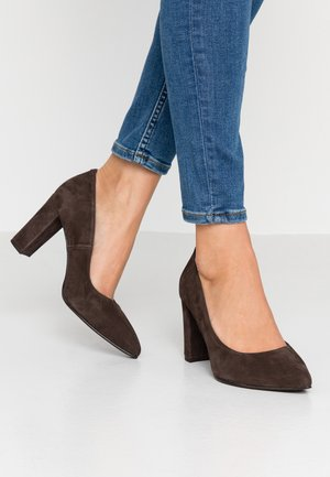 WIDE FIT DIAN - Classic heels - chocolate