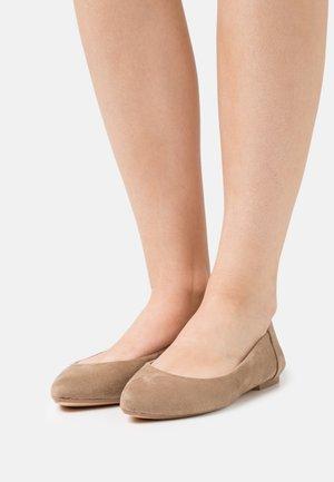 Ballet pumps - alcantara tan