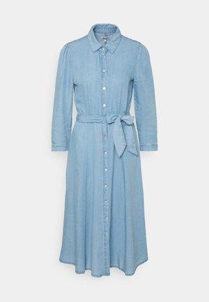 ONLMARY LONG BELT DRESS - Robe en jean - light blue denim