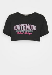 Missguided Petite - NORTH WOOD ROLL SLEEVE CROP - Triko s potiskem - black - 0