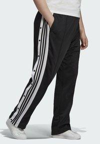 adidas Originals - ADIBREAK ADICOLOR CLASSICS PRIMEGREEN SLIM PANTS - Tracksuit bottoms - black - 2