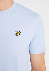 Lyle & Scott - T-shirt basic - blue smoke - 5