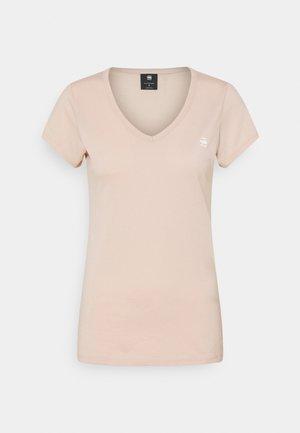 EYBEN SLIM - T-shirts med print - liquid pink