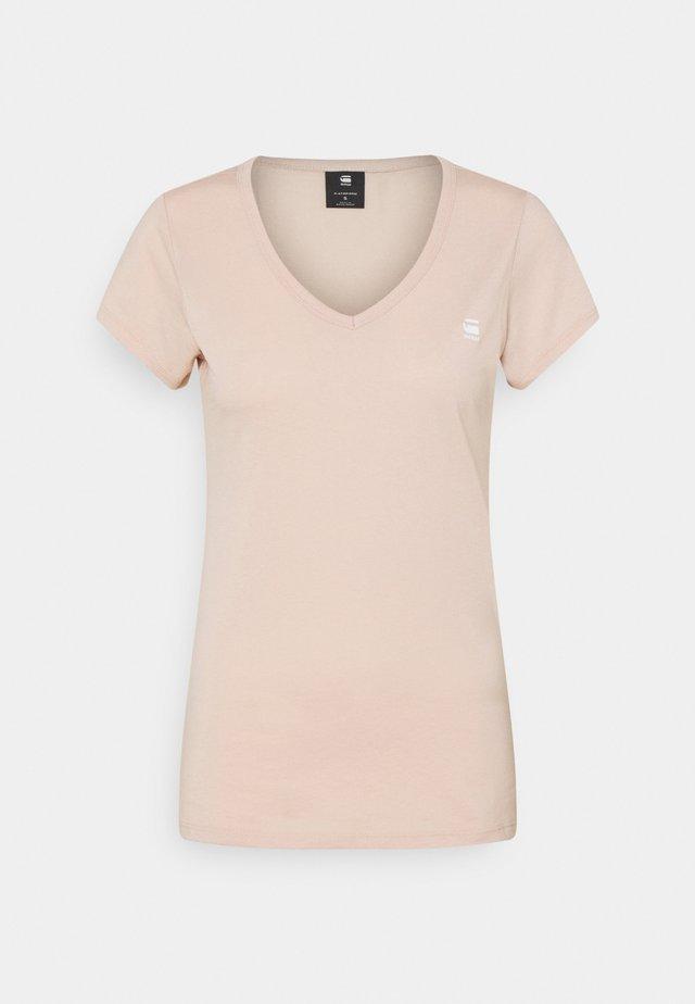 EYBEN SLIM - Print T-shirt - liquid pink