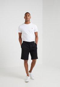 Polo Ralph Lauren - DOUBLE KNIT TECH-SHO - Shorts - black - 1