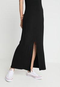 New Look Tall - T-SHIRT DRESS  - Maxi dress - black - 3