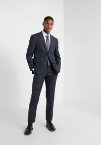 CORNELIANI - SUIT - Kostuum - blue - 1