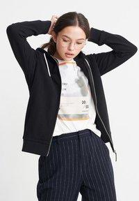 Superdry - ORANGE LABEL ELITE - Zip-up hoodie - black - 0