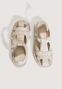 OYSHO - Sandals - beige - 3