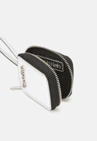 Calvin Klein - IPOD AIR DANGLE - Andre accessories - silver - 2
