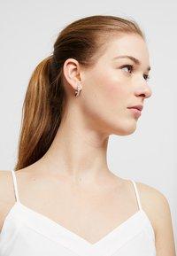 Ted Baker - SEANNIA HOOP EARRING - Earrings - silver-coloured - 1