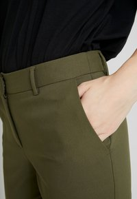 KIOMI - Trousers - olive - 4