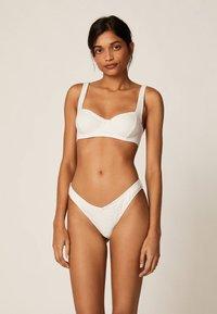 OYSHO - Bikiniöverdel - white - 1