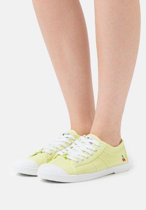 BASIC  - Trainers - lemon