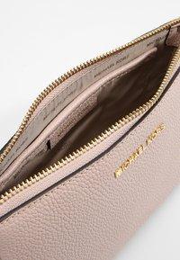 MICHAEL Michael Kors - Across body bag - soft pink - 4