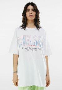 Bershka - Print T-shirt - white - 0