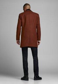 Jack & Jones PREMIUM - JPRMOULDER  - Short coat - brown - 2