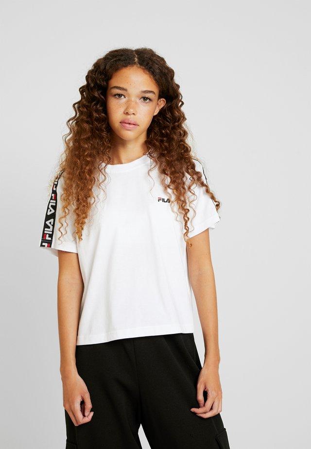 ADALMIINA TEE - Print T-shirt - bright white