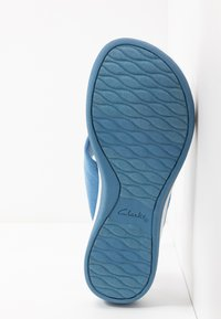 Cloudsteppers by Clarks - ARLA GLISON - T-bar sandals - mid blue - 6