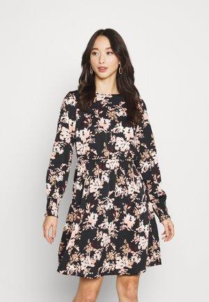 VMSATTI DRESS - Denní šaty - misty rose