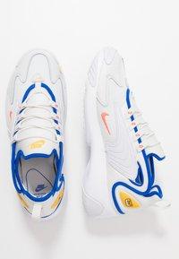 Nike Sportswear - ZOOM  - Sneakers - platinum tint/bright crimson/white/university gold/hyper royal - 1