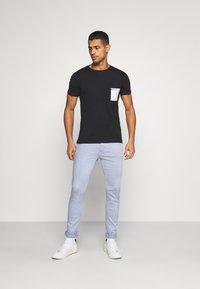Replay - Print T-shirt - black - 1