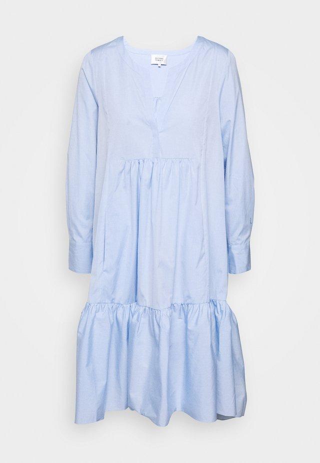 HEAVEN MIDI DRESS - Robe d'été - chambray blue