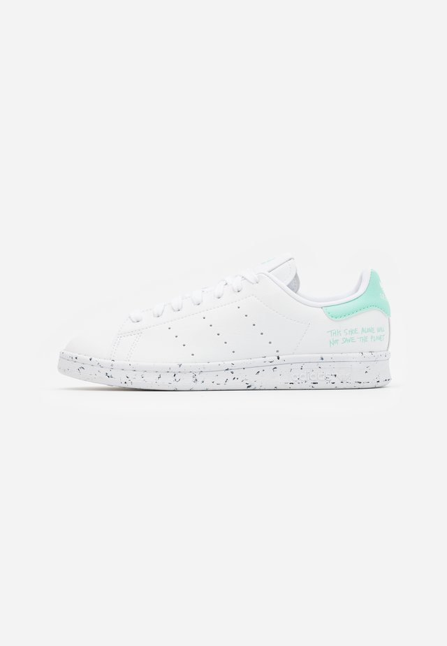 STAN SMITH PRIMEGREEN VEGAN - Baskets basses - footwear white/easy green