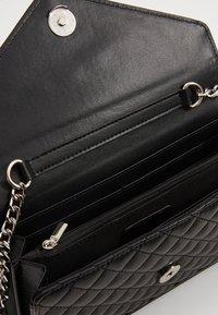 ONLY - ONLSARAH ENVELOPE CROSSOVER - Across body bag - black - 5