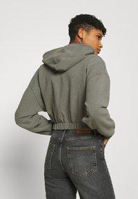 BDG Urban Outfitters - SUPER CROP ZIP HOODIE - Zip-up hoodie - sage - 4